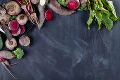 Kochen des biologischen Lebensmittels für Abendessen Lizenzfreies Stockfoto