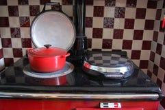 Kochen des Topfes auf aga Stockfotografie