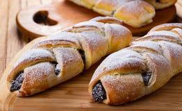 Kochen des Zucker- und süßes Rollennachtischs, köstlich lizenzfreie stockfotografie