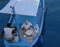 Kochen im Boot Stockbilder