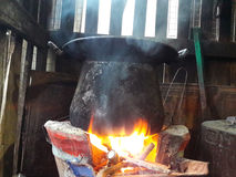 Kochen mit Feuer Lizenzfreie Stockfotografie