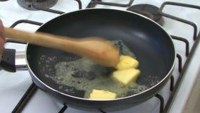 Kochen mit Wanne stock video footage
