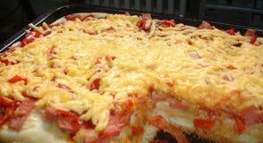 Kochen, Pizza lizenzfreie stockfotografie