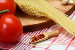 Kochen von italienischen Teigwaren Stockbild