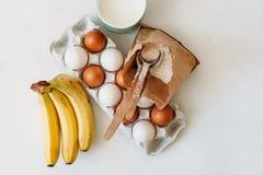 Kochen von Kuchen und von Bonbons lizenzfreie stockbilder