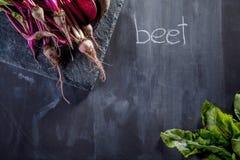 Kochen von Rote-Bete-Wurzeln Mahlzeit Stockbild