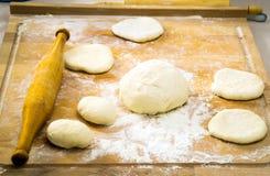 Kochen von Torten und von Käsekuchen Lizenzfreie Stockfotografie