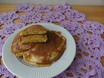 Kochen von vegetarischen gesunden Pfannkuchen Stockbild