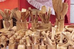 Kochgeschirr geschnitzt im Holz Lizenzfreie Stockfotos