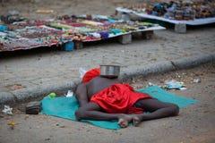KOCHIN, INDE 24 FÉVRIER : Mendiant indien 24, 2013 dans Kochin, Ind Image libre de droits