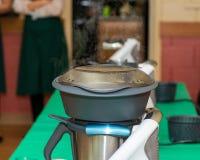Kochkurs Schnell und leichte Art, Mahlzeiten vorzubereiten lizenzfreies stockfoto