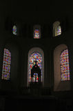 kościelnego szklanego wnętrza pobrudzony okno Fotografia Royalty Free