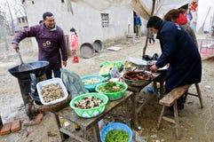Kocken i lantliga Kina Arkivfoton