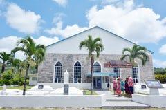 Kocken Islanders ber på Ekalesia Titikaveka - laga mat Islands Christ Royaltyfria Bilder