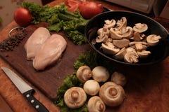 Kockhöna och grönsaker Fotografering för Bildbyråer