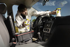 Kocowanie zapachów ślada kryminologiem od samochodu Zdjęcia Royalty Free
