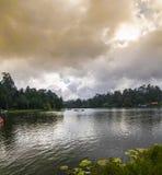 Kodaikanal湖全景(小山驻地的泰米尔纳德邦公主), 库存照片