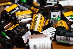 Kodak-Filme auf Holztisch lizenzfreie stockfotos