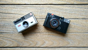 Kodak 104 instamatic et Pentax Pino 35 Photos stock
