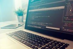 Kodifiera coderen för kodprogramcompute framkalla bärareutveckling arkivfoton