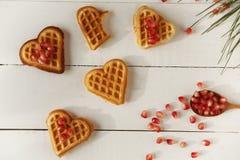 Koekje in de vorm van hart op een houten lijst Royalty-vrije Stock Foto