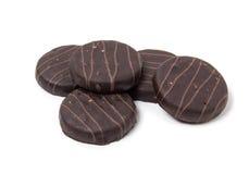 Koekjes in chocoladeglans stock foto's