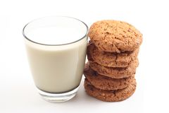Koekjes en glas melk Royalty-vrije Stock Afbeelding