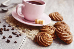 Koekjes en kop van koffie Stock Foto's