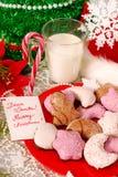 Koekjes en melk voor santa Stock Foto