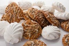 Koekjes en merengue stock foto's