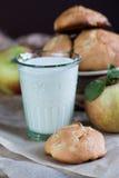 Koekjes met appelen Stock Foto