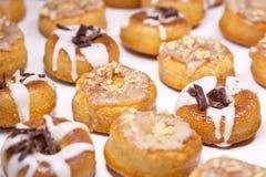 Koekjes onder het suikerglazuur Stock Foto's