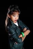 Koel Aziatisch meisje in leerjasje Stock Foto's