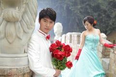 Koel Aziatisch paar, in openlucht Stock Foto's