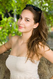 Koele jonge brunette. Stock Foto
