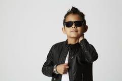 Koele jonge jongen Stock Foto