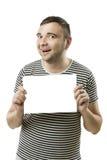 Koele kerel met kaart voor uw tekst Royalty-vrije Stock Foto's