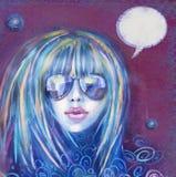 Koele maniervrouw in zonnebril meisje Het uitstekende etiket van de theetijd Stock Foto