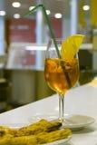 Koele oranje drank Royalty-vrije Stock Foto's