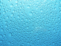 Koele waterdruppeltjes, dalingen, bellen Royalty-vrije Stock Fotografie