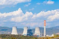 Koeltoren van Bruinkool elektroelektrische centrale in Azië Royalty-vrije Stock Foto