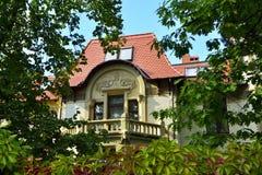 Koenigsberg och i Kaliningrad. Forntida tysk herrgård på den Kutuzov gatan royaltyfri bild