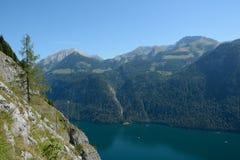 Koenigssee湖和山 图库摄影