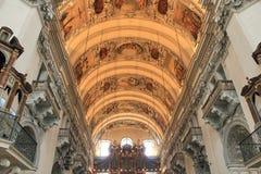 Koepel in de kerk in Salzburg Royalty-vrije Stock Foto's