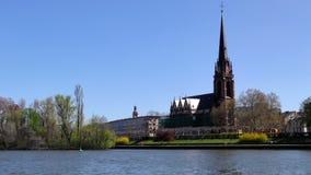 Koepel en Hoofdrivier in Frankfurt Duitsland stock videobeelden