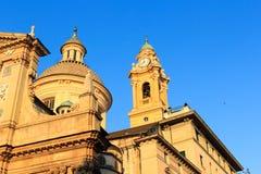 Koepel en klokketoren van Church Chiesa del Gesu in Genua Royalty-vrije Stock Fotografie