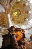 Koepel en Preekstoel van Berlin Cathedral stock fotografie