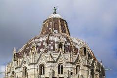Koepel van de Doopkapel van Pisa, Italië Royalty-vrije Stock Foto's