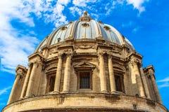 Koepel van de Kathedraal van St. Peter in Rome. royalty-vrije stock foto