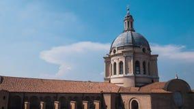 Koepel van de kerk van Sant 'Andrea in Mantua, Timelapse stock footage